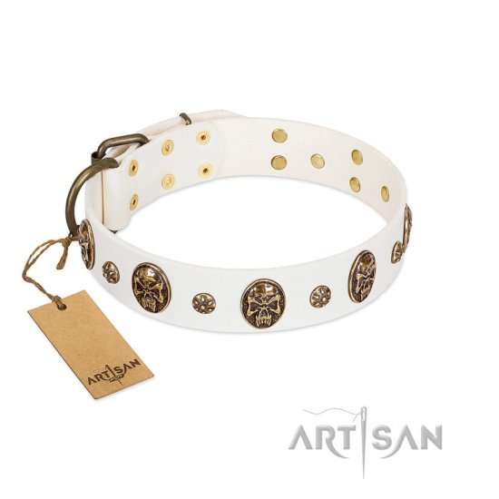 """Magic Bullet"" FDT Artisan White Leather Mastiff Collar with Studs and Skulls"