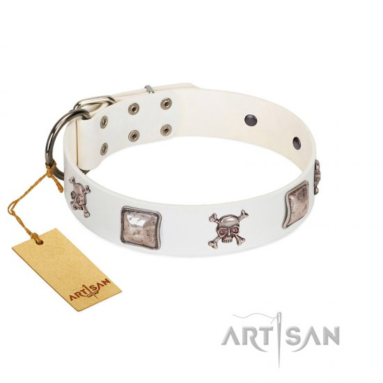 """Pirate Sloop"" Handmade FDT Artisan Designer White Leather Mastiff Collar with Crossbones"
