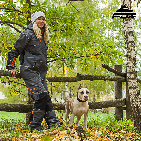 Convenient Side Pockets on Unisex Design Pants for Active Dog Trainers