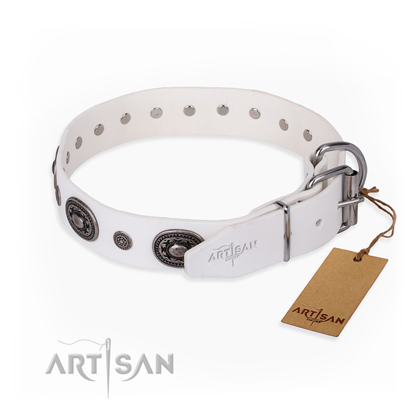 Wear-proof leather collar for your noble canine